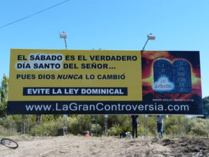 Billboard that proclaims the Sabbath truth in Mendoza.